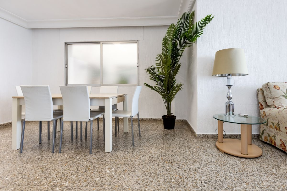Sea & Palms Apartment - Torrevieja Holiday Rentals www.heavenonearth.es 03