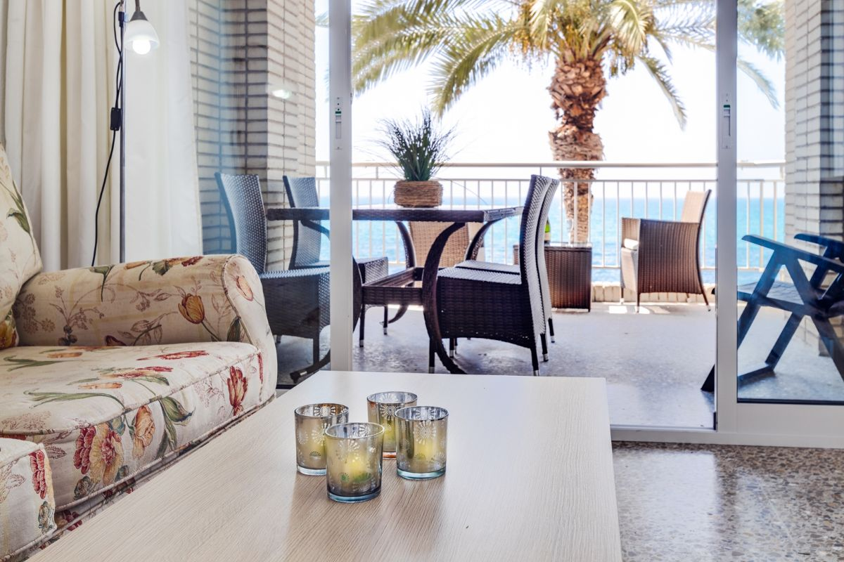 Sea & Palms Apartment - Torrevieja Holiday Rentals www.heavenonearth.es 04