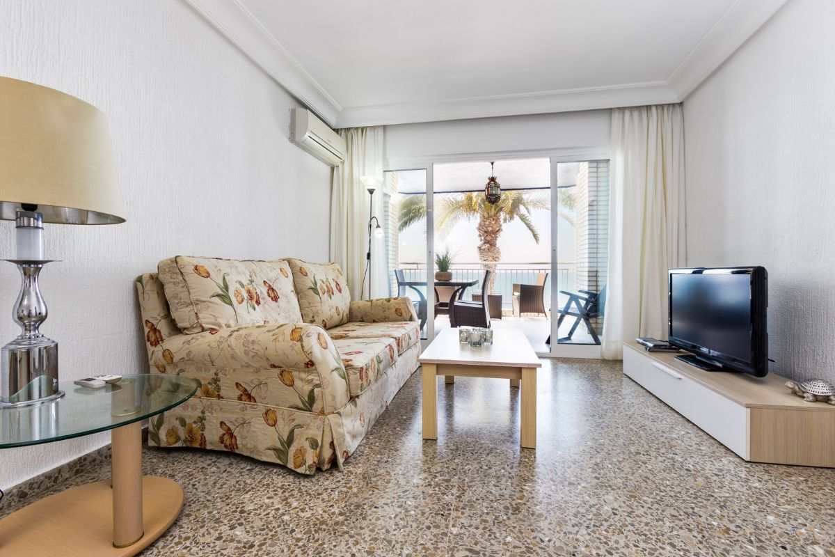 Sea & Palms Apartment - Torrevieja Holiday Rentals www.heavenonearth.es 05