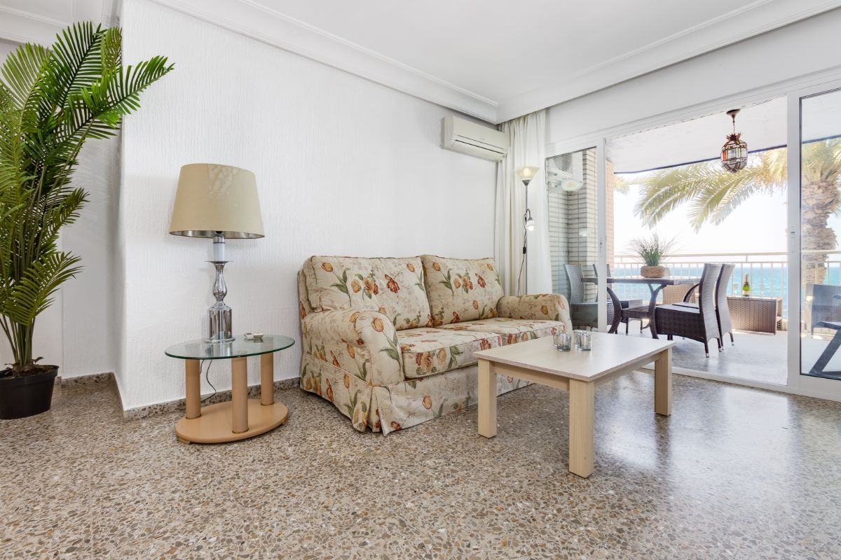 Sea & Palms Apartment - Torrevieja Holiday Rentals www.heavenonearth.es 06