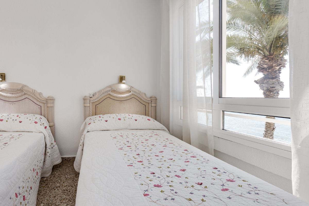 Sea & Palms Apartment - Torrevieja Holiday Rentals www.heavenonearth.es 13