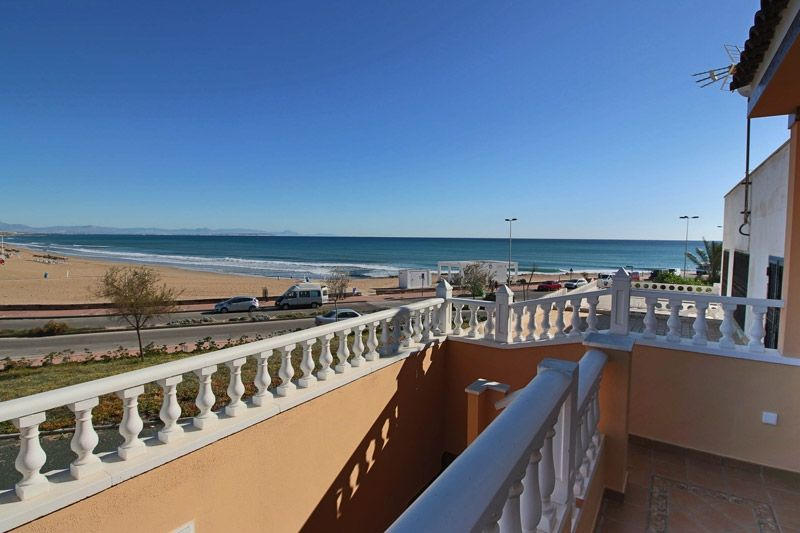 Terrace to Sea - Torrevieja Holiday Rentals www.heavenonearth.es 16