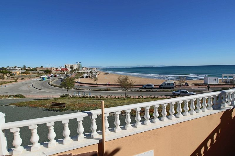 Terrace to Sea - Torrevieja Holiday Rentals www.heavenonearth.es 17