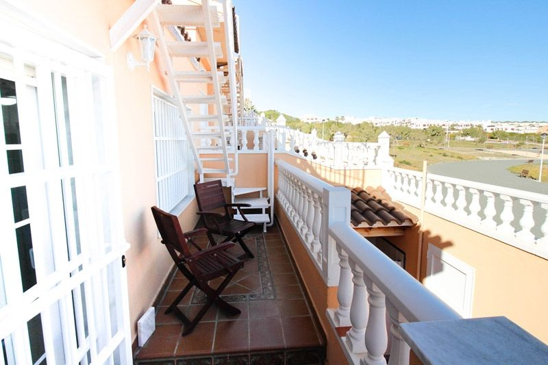 Terrace to Sea - Torrevieja Holiday Rentals www.heavenonearth.es 18