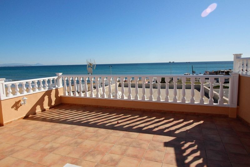 Terrace to Sea - Torrevieja Holiday Rentals www.heavenonearth.es 19