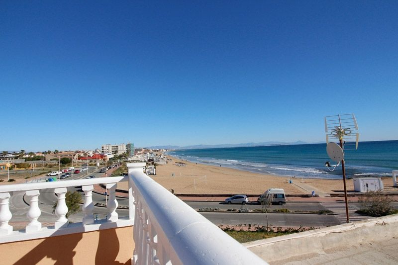 Terrace to Sea - Torrevieja Holiday Rentals www.heavenonearth.es 21