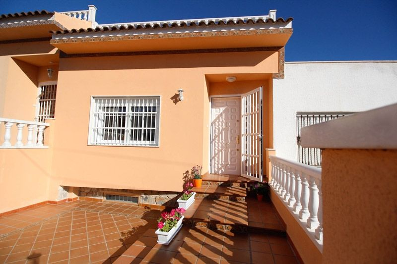 Terrace to Sea - Torrevieja Holiday Rentals www.heavenonearth.es 32